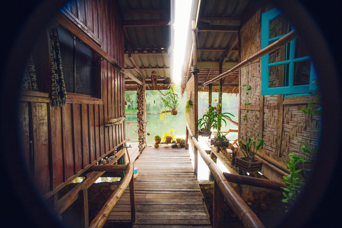 koh-chang-bluelagoon-selection-bungalow-lagoon-side